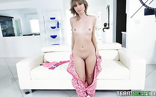 Slim nympho Daphne Dare loves in the matter of fuck and she is very different from shy about turn this way