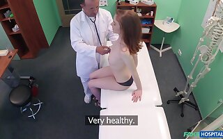 Doctor puts his giant unearth just about tight pussy for horny Nela - Listen in cam