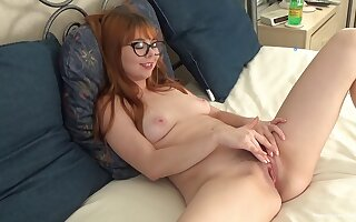Nerdy young redhead plays about their way furry cunt like in the movies