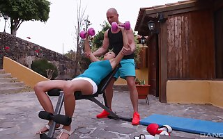 Sporty Vanessa Decker unearthed herself a thorough trainer