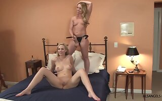 Sophia Knight hot poof strapon sex