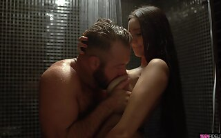 Seductive pamper Eliza Ibarra seduces sister's husband in the shower